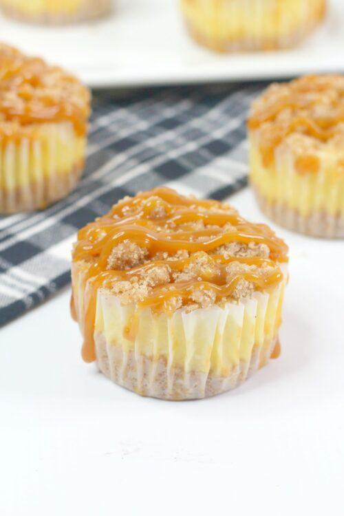 salted caramel crumble cupcakes